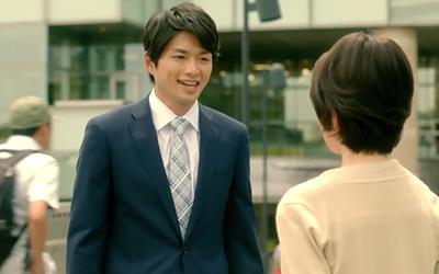 スーツ姿でこの笑顔、たまらんす